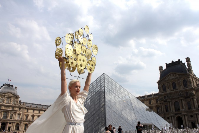 2017_Sophie_Dupont_Hanging_Heads_Paris_photoby_Sha_Li___