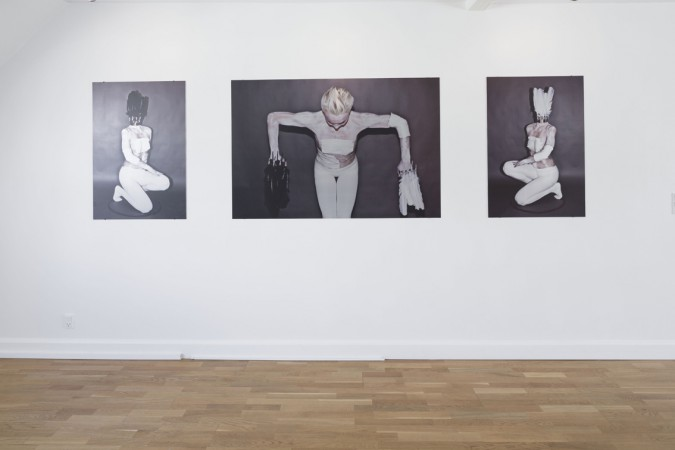 Sophie Dupont. From Left. Black Feathers. 2014. Flatbedprint on alu. Black & White Feathers. 2014. Flatbedprint on alu. White Feathers. 2014. Flatbedprint on alu. Foto: Anders Sune Berg.