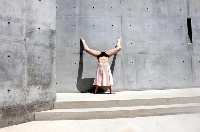 2.Handstand Casa Wabi. 2018.