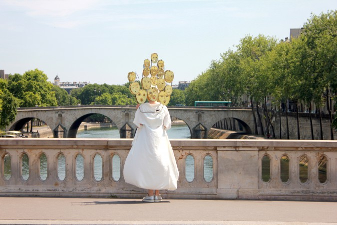 17_Sophie_Dupont_Hanging_Heads_Paris_Photo_Sha_Li_IMG_7547