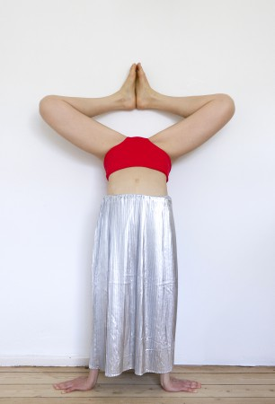 Handstand. Hommage Nuria Fuster. 2017. Red/Silver